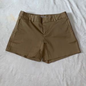 NWOT Banana Republic Hampton Sateen Khaki Shorts